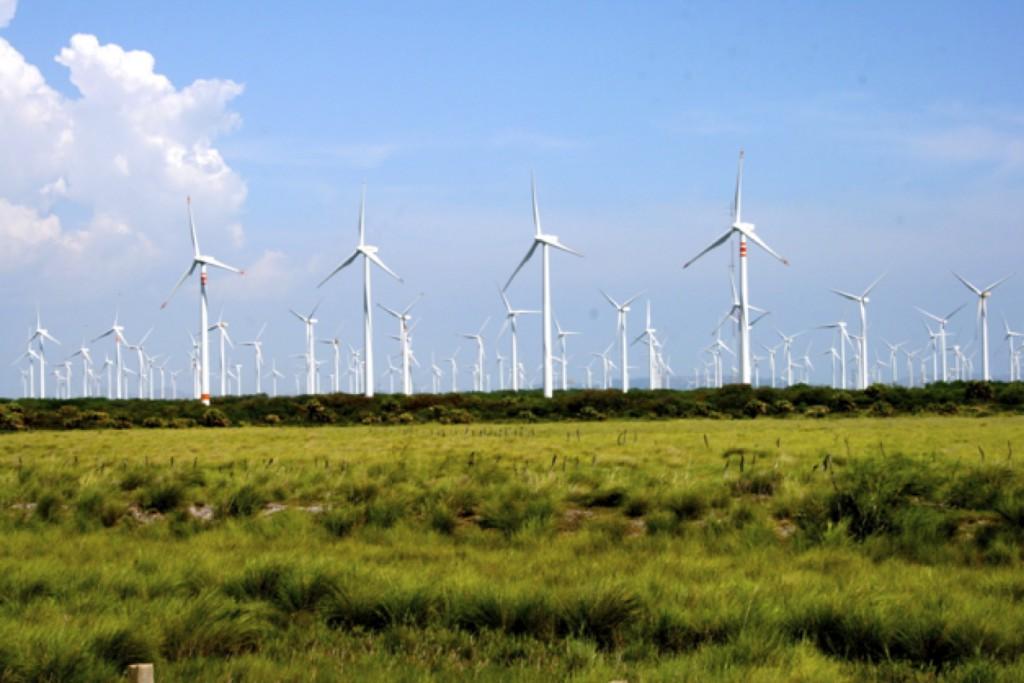 El primer parque eólico en México fue construido en 1994 en la comunidad de La Venta (La Venta I), Oaxaca, con una capacidad instalada de 2 MW. Actualmente el potencial de viento en México se valúa en 71 GW, un enorme recurso energético, renovable, para el país.